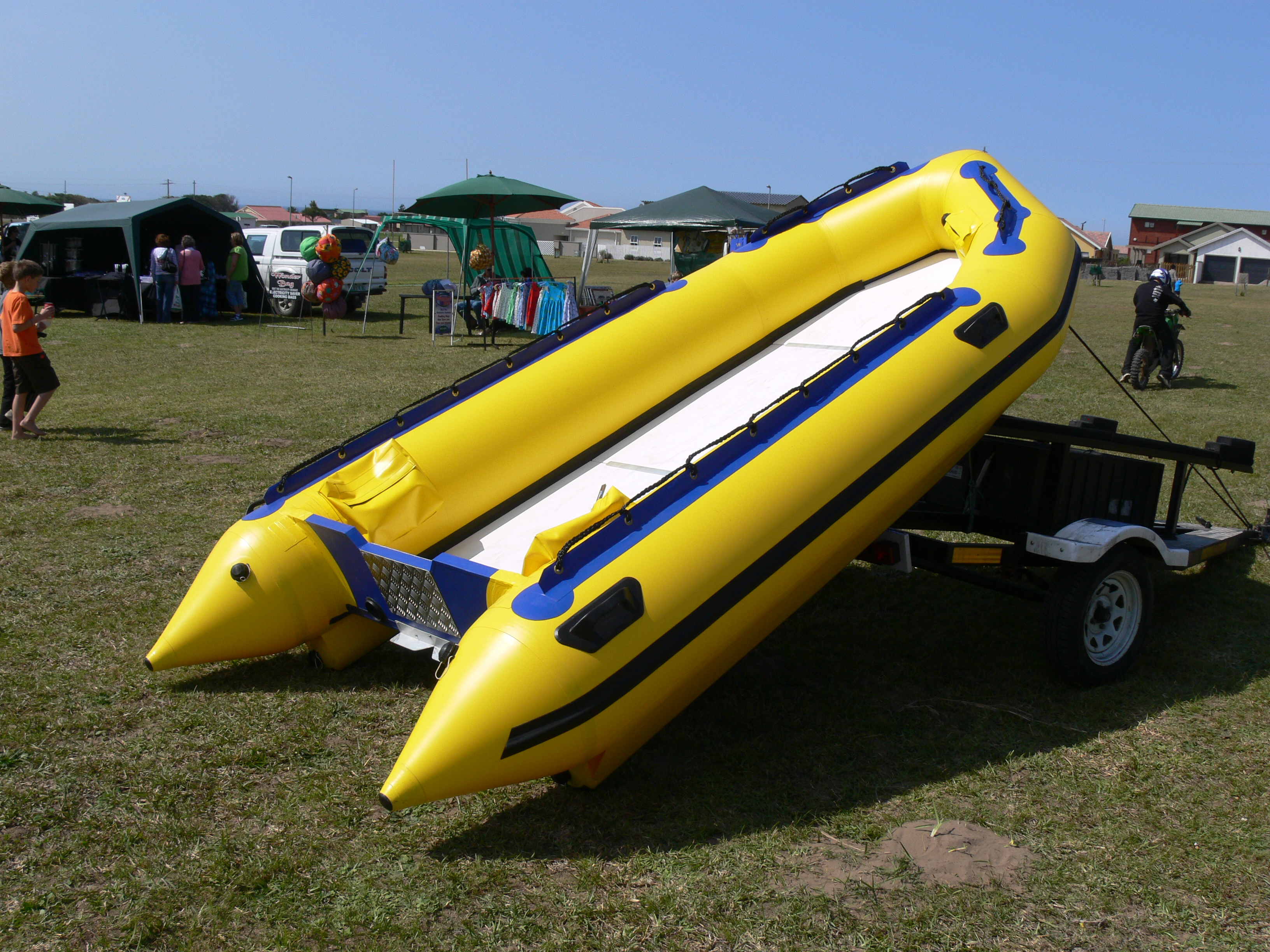 4.1m Aquacat Sport Boat Up
